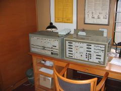 Drucktastenstellpunkt und Zgnummernanzeigepult der ersten Generation